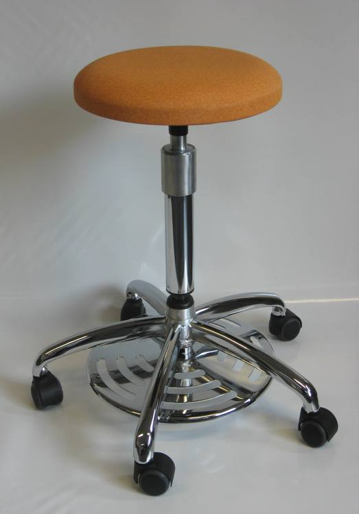 tabouret medical commande au pied 13DI