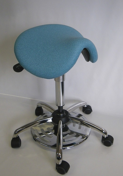tabouret selle medical commande au pied 37di